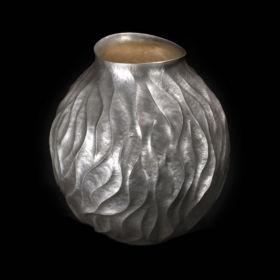 Silver vase by Hirosho Suzuki
